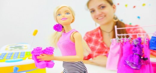 681 Аня и Барби идут в магазин за подарком для подружки_picmonkeyed (2)